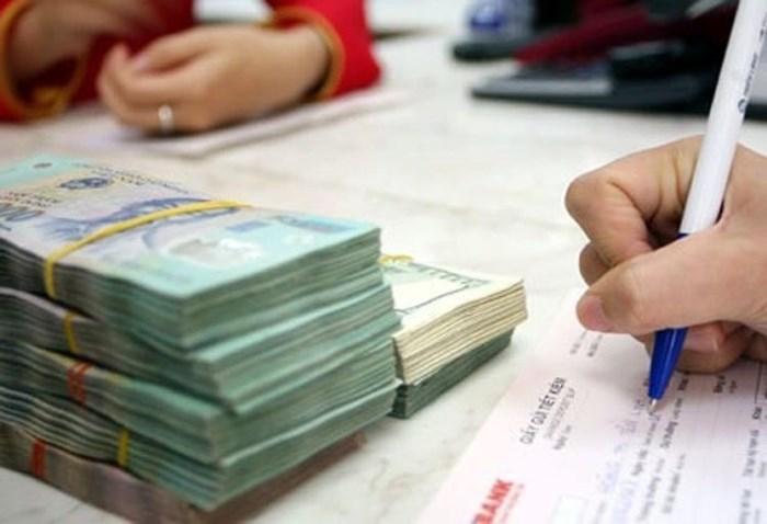 Theo quan điểm của giới chuyên gia, muốn giữ an toàn cho nền kinh tế thì việc siết tín dụng BĐS là điều tất yếu.